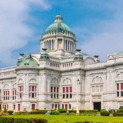 Tham quan Cung điện Ananta Samakhom - Vương triều Chakri giữa lòng Bangkok